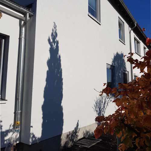 Schwerarmierung Fassade weißer Putz